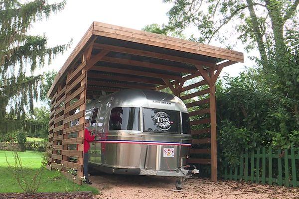 Le food-truck dans lequel a investi le couple Berard est contraint de rester au garage faute de personnel.
