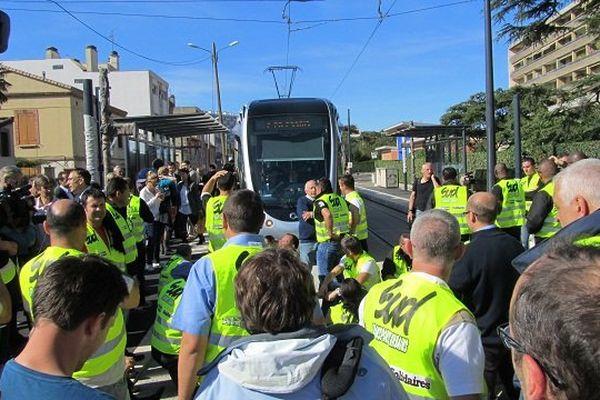 Le 17 octobre, les manifestants ont empêché que le premier roulage se déroule
