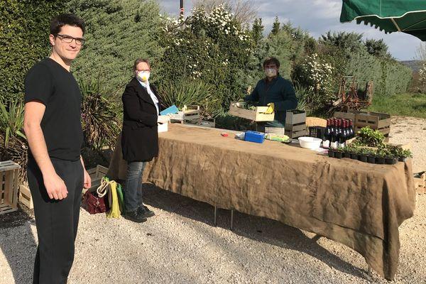 Dans plusieurs villes et village d'Ardèche, des points de livraison de paniers de légumes fleurissent. Un coup d'accélérateur pour la vente directe.
