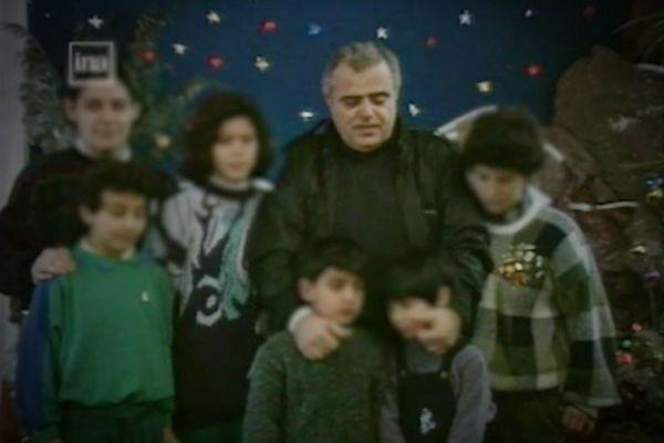 Le père Mansour Labaky filmé par France 3 Normandie à Douvres-la-Délivrande dans les  années 1990.