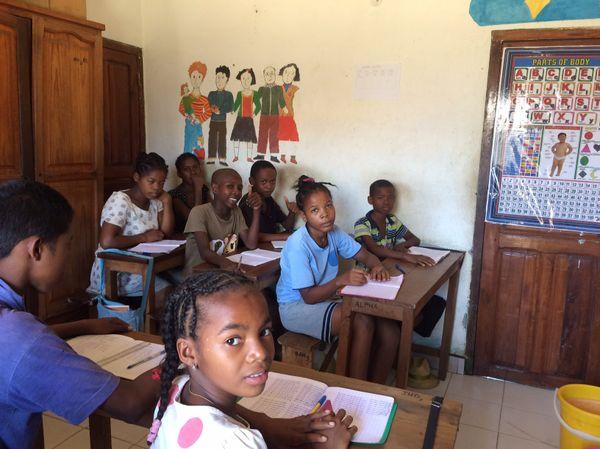 Salle de classe au Centre d'alphabétisation de Majunga