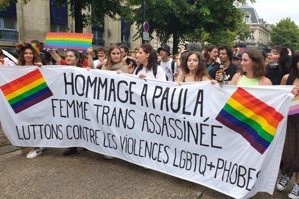 Le 7 avril 2021, Paula, femme transgenre, est retrouvée morte, dans un appartement, à Reims.