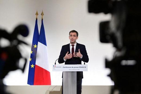 Le ministre de la Santé, Olivier Véran, le 18 mars 2021 à Paris.