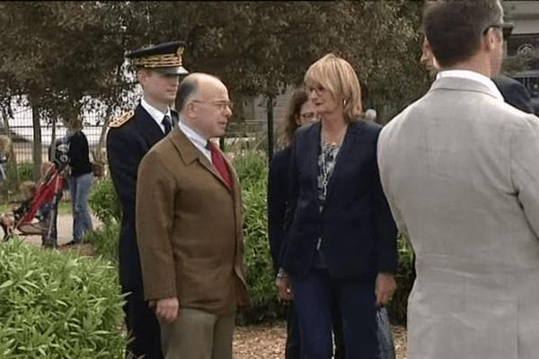 Le ministre de l'Intérieur était ce dimanche à Cherbourg pour assister à la cérémonie en hommage aux victimes de l'attentat de Karachi