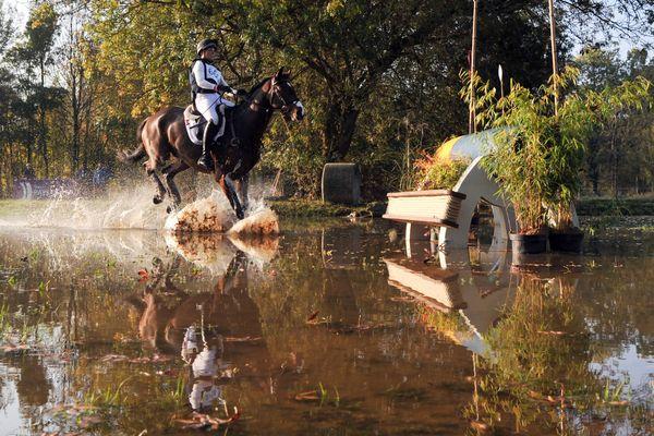 Les épreuves équestres (ici, le cross) se dérouleront-elles à Versailles ou à Lamotte-Beuvron ? Photo d'illustration