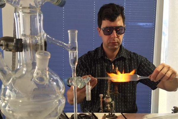 Depuis 1429, des maîtres verriers façonnent le verre dans la vallée de la Bresle.