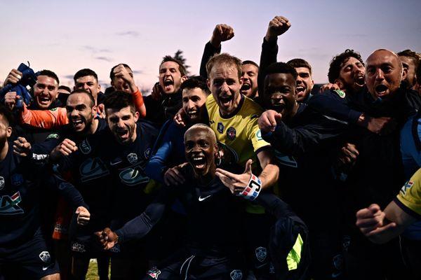 Les joueurs de l'équipe laissent exploser leur joie après leur victoire contre Toulouse.