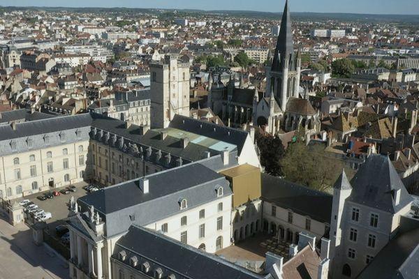 Le Musée des Beaux-Arts de Dijon se trouve dans un palais urbain au coeur de la cité
