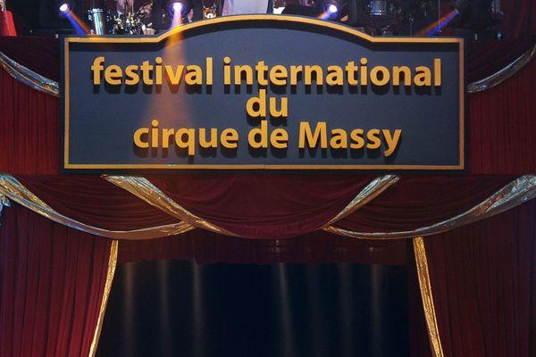 Chaque année, environ 15.000 personnes se rendent au festival international du cirque de Massy.