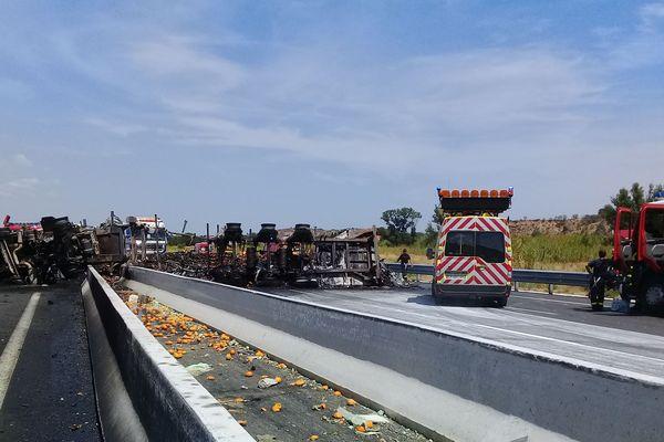 L'A9 est coupée dans les deux sens entre Perpignan Sud et Le Boulou en raison d'un camion en feu. Il faut absolument éviter le secteur.