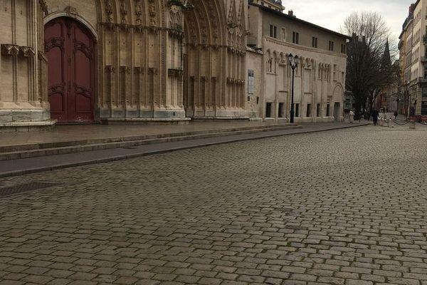 La place St Jean le jour d'après