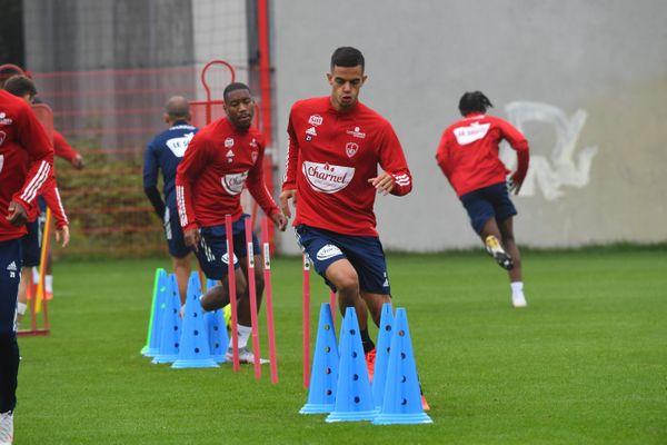 Le Stade brestois vient d'enregistrer un cas positif au sein de son effectif (ici Romain Faivre à l'entraînement le 13août 2020).