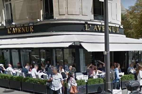 """Le restaurant L'Avenue dans le 8e arrondissement de Paris aurait mis en place un système de discrimination envers les personnes avec des noms à consonance arabe, les femmes voilées et les """"moches"""""""