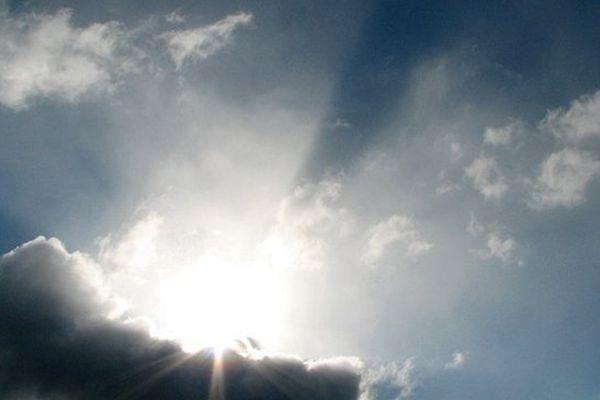 Le soleil ne fera pas cavalier seul dans le ciel normand, ce samedi.