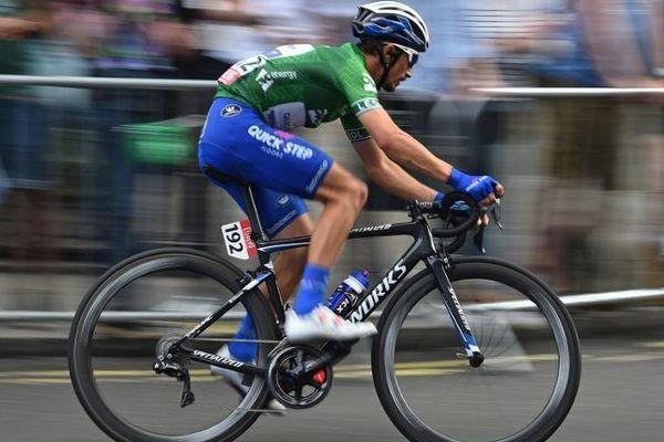 Julian Alaphilippe en plein course lors du Tour de Grande-Bretagne.