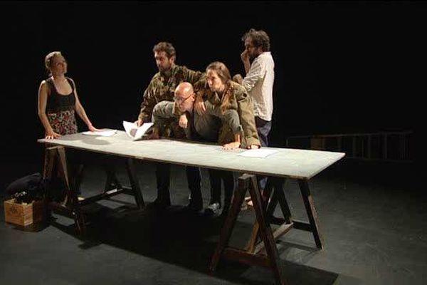 Répétitions au Pantha Théâtre qui se met à l'heure des dramaturgies macédoniennes