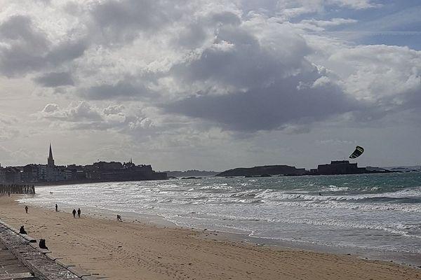 Un ciel couvert à Saint-Malo - Christian le Fur