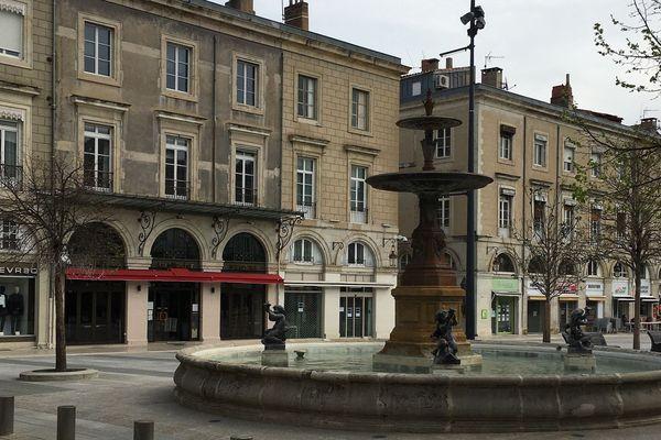 Castres (Tarn) - le centre-ville - archives.
