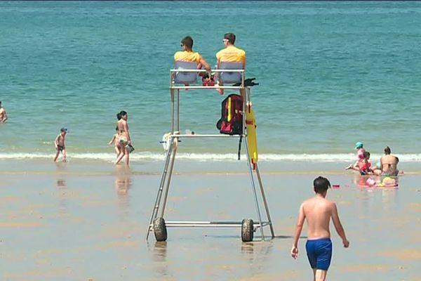 A Lacanau, les plages sont surveillées depuis le mois de mai.
