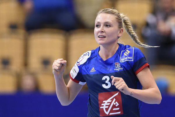 Lors d'un match contre la Pologne, en Championnat d'Europe de handball féminin, en décembre 2016.