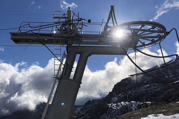 À la station de ski de Ghisoni, de nouvelles remontées mécaniques ont été mises en place et une nouvelle piste a été créée.