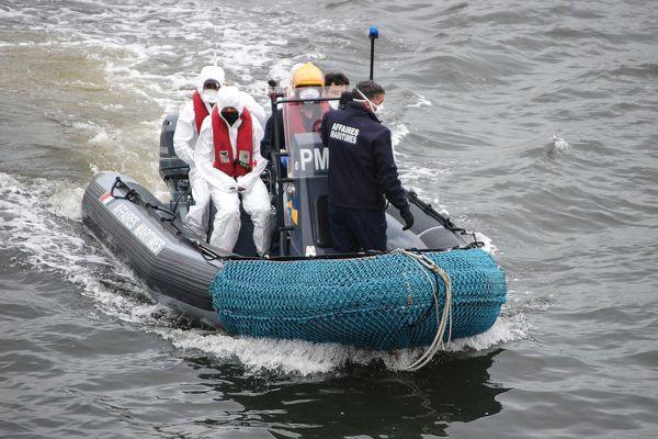 Des migrants secourus à Calais en septembre 2020.