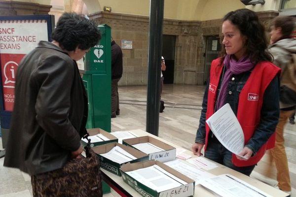Priorité de la SNCF : informer les usagers du TER Lorraine.