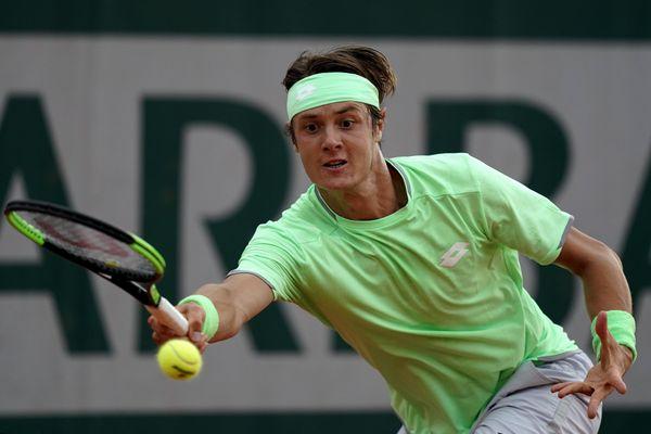 Le natif de Creil, Maxime Janvier (23 ans), a enchaîné les erreurs dans les moments décisifs et laissé filer Hugo Gaston vers le second tour de cette édition 2020 de Roland Garros.