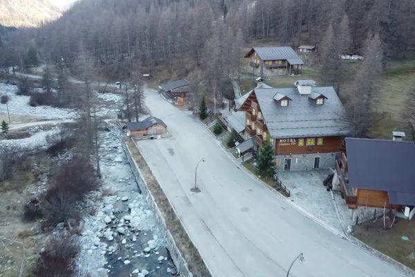 Le hameau isolé de Castérino.