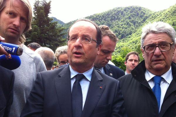 François Hollande à son arrivée à Saint-Béat (31)
