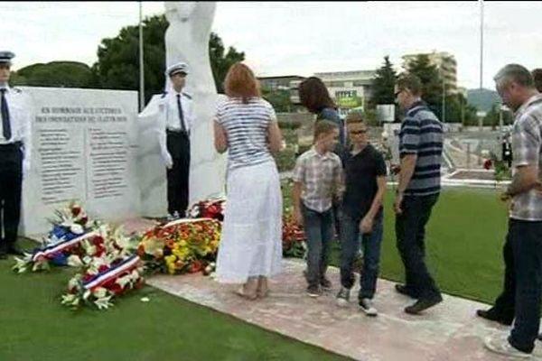 Le monument en hommage aux victimes des inondations
