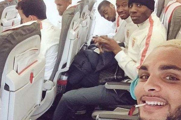 Dans l'avion vers Londres.