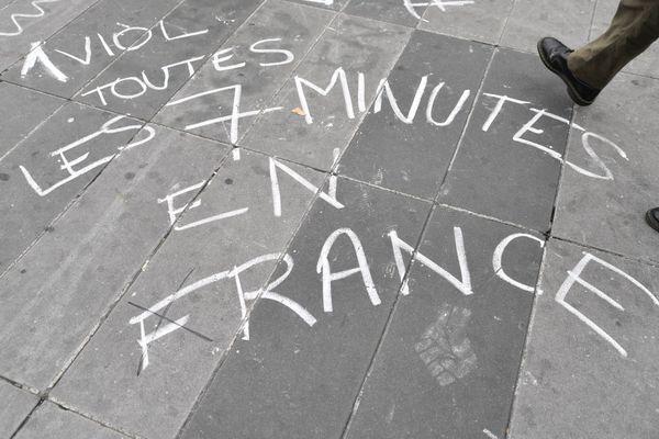 Mobilisation pour la Journée internationale contre la violence faites aux Femmes, sur la Place de la République à Paris, le 25 Novembre 2020.