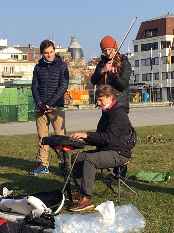 Flûte, clarinette, violon et clavier font partie du voyage démarré place Rapp à Colmar