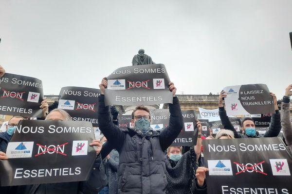 Les restaurateurs et hôteliers manifestent ce 2 décembre à Reims, à l'appel de l'UMIH.