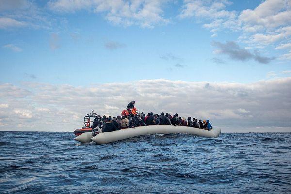 92 nouveaux rescapés secourus mercredi au large de la Libye par l'Ocean Viking, bateau de sauvetage de SOS Méditerranée.