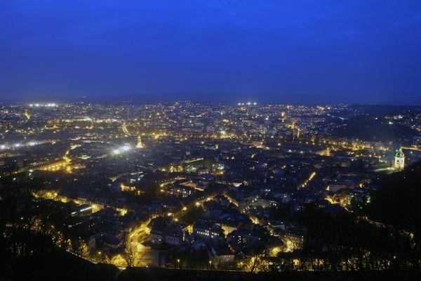 Besançon, de nuit.