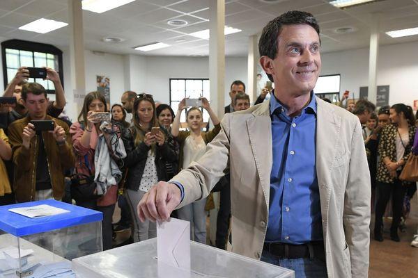 Manuel Valls, candidat à la mairie de Barcelone en Espagne, a voté ce dimanche 26 mai au matin.