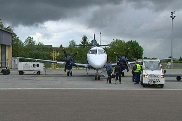 La gestion et l'exploitation de l'aéroport de Dijon-Bourgogne ont été confiés au groupe SNC-Lavalin pour une durée de 16 mois à compter du 1er septembre 2014.