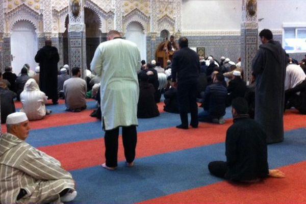 Grande prière à la mosquée de Tomblaine, ce vendredi 20 novembre 2015.