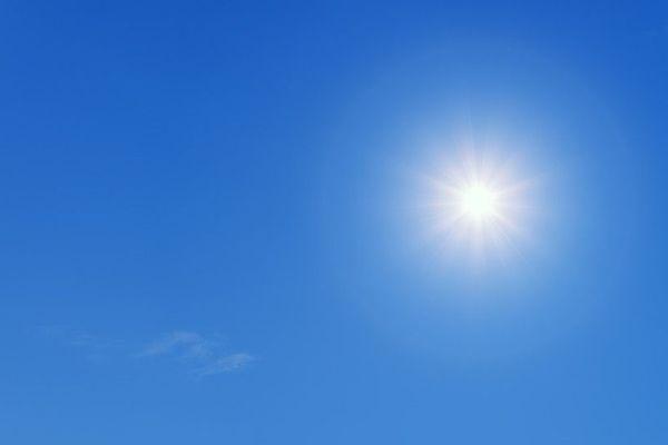 Le soleil domine dans un ciel sans nuage...