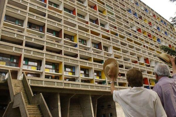 Rezé, elle fait partie avec Marseille, Berlin, Firminy et Briey du club des villes possédant une Maison Radieuse dessinée par Le Corbusier