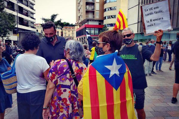 Gerone (Espagne) - manifestation spontanée devant le délégation de la Generalitat de Catalogne après l'arrestation de Carles Puigdemont en Sardaigne - 24 septembre 2021.