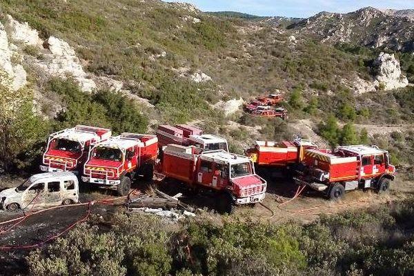 Les Marins-Pompiers de Marseille ont été rejoints par les pompiers du département des Bouches-du-Rhône.