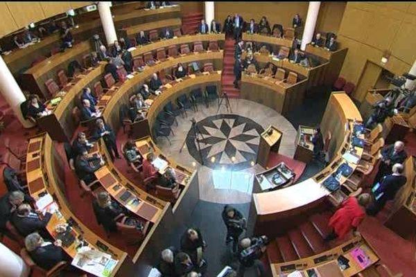 Les élus de l'Assemblée de Corse ce vendredi matin.