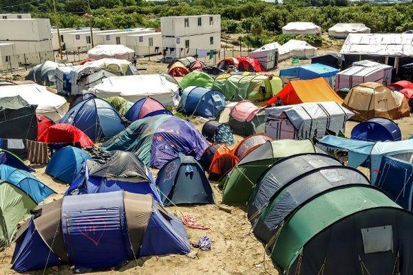 """Le ministère de l'Intérieur britannique a gagné son recours contre une décision de justice relative à quatre jeunes réfugiés de la """"Jungle"""" de Calais autorisés à rejoindre leur famille au Royaume-Uni. (illustration)"""