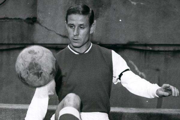 Raymond Kopa sous le maillot du Stade de Reims en 1967.