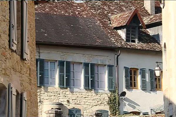 Les ruelles de Mouthier-Haute-Pierre dans le Doubs, village préféré des Français en 2019 ?