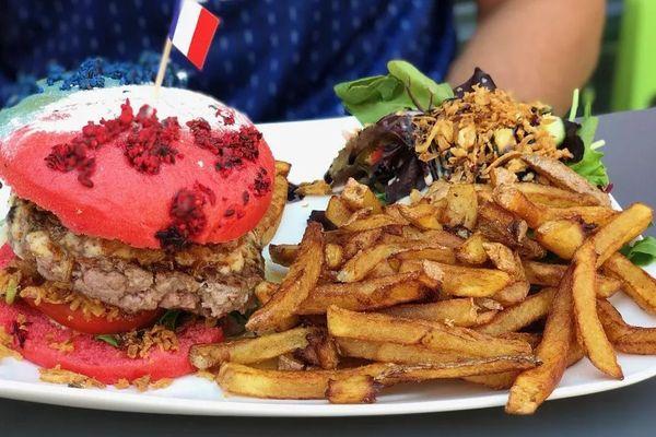 Le même hamburger tricolore qu'en 2018 pour le championnat d'Europe de football.
