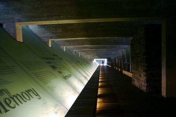Le mémorial de l'abolition de l'esclavage, quai de la Fosse à Nantes.